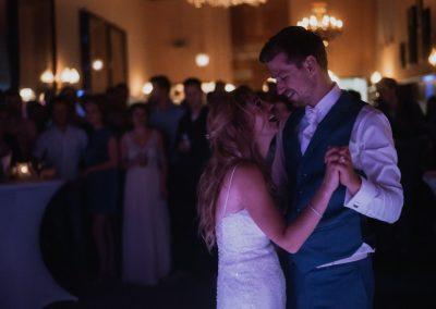 Jillian en Menno eerste dans (Middel)
